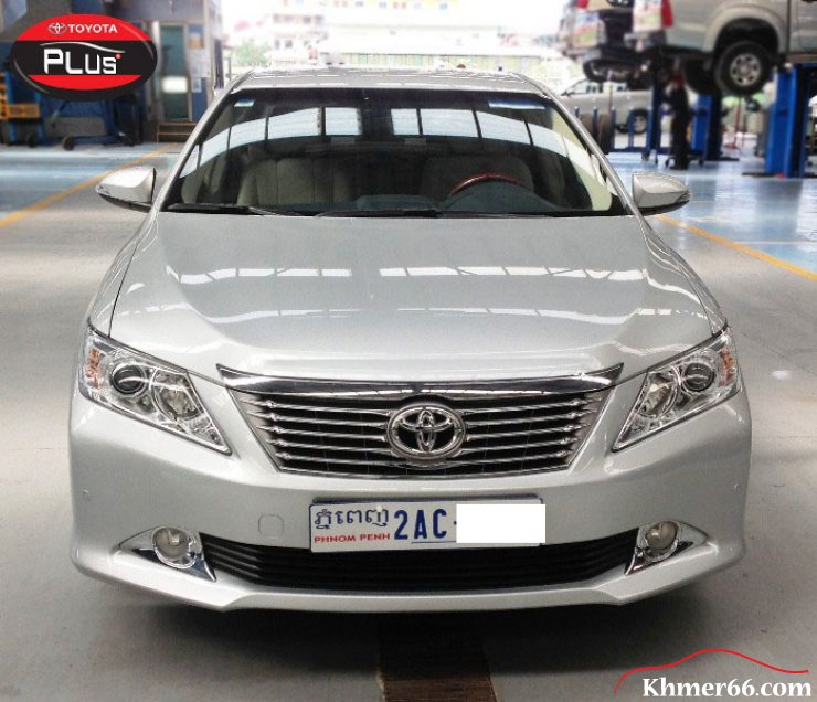 Toyota Camry year 2014 Silver Colour Price 43500$, Phnom Penh