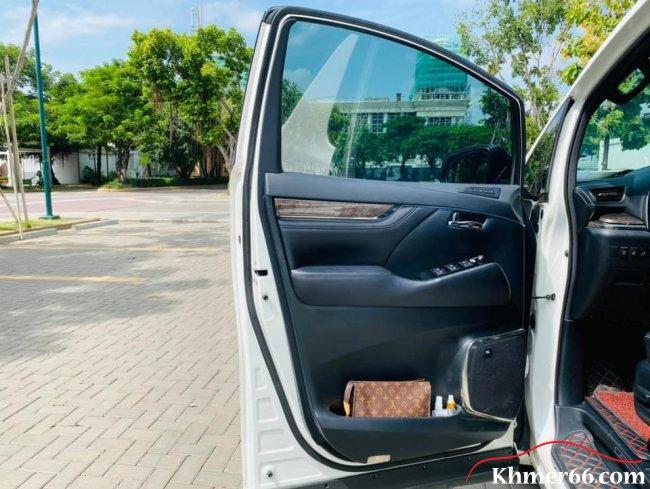 Toyota alphard 2019 white new, Phnom Penh